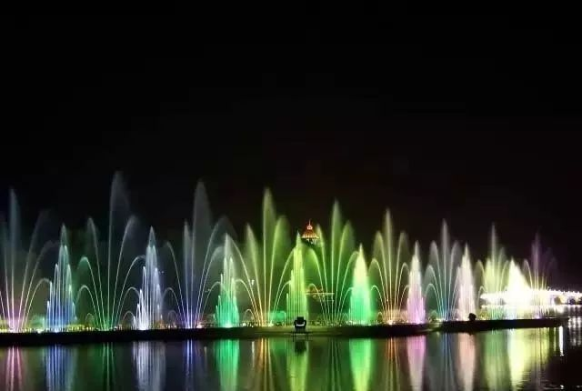 悄悄告诉你成四川广场音乐喷泉怎样设计更吸引人