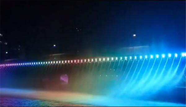 山东新泰桥上水帘案例