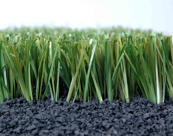 超自然的户外婚礼你向往吗?人造草坪布局的好整体效果更好