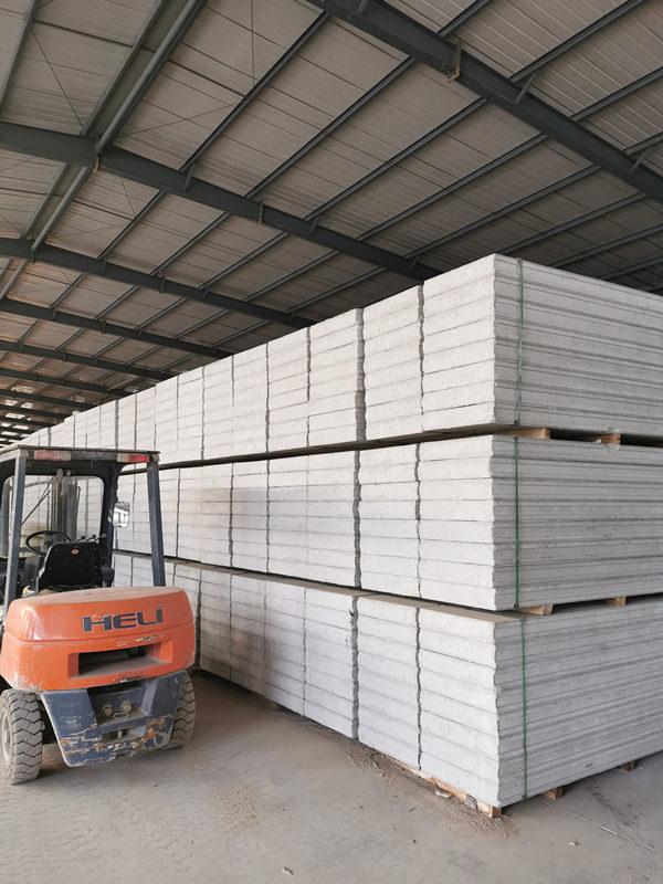 水泥围墙板和轻质隔墙板有哪些区别?
