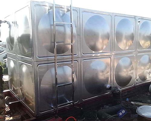 怎么正确使用不锈钢保温水箱?