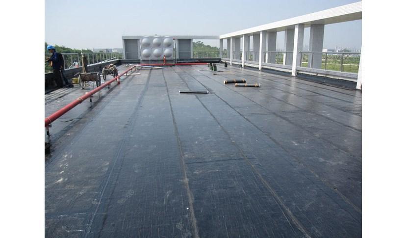 楼顶发生漏水怎么办?成都楼顶防水公司告诉你