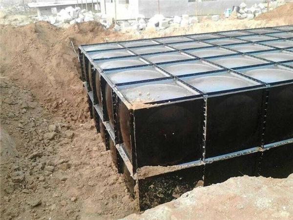 地埋式水箱为什么这么受欢迎?秦粤辉煌的小编告诉你。