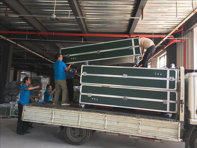 军绿精密设备运输项目