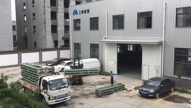 军绿大型设备转运箱