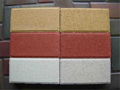 湖北彩色透水磚為何在市場上暢銷?背后原因離不開它的以下幾點優良性能