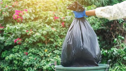 用可降解塑料袋裝濕垃圾就不用破袋?專家們說:不可以