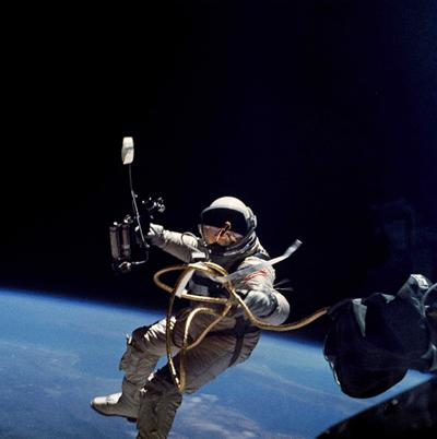 人類首次實現太空行走的蘇聯宇航員阿列克謝·列昂諾夫仙逝!