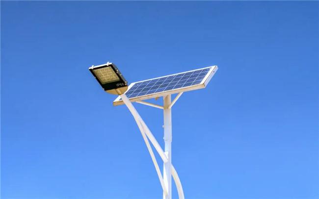 太阳能路灯为什么不如传统路灯亮?