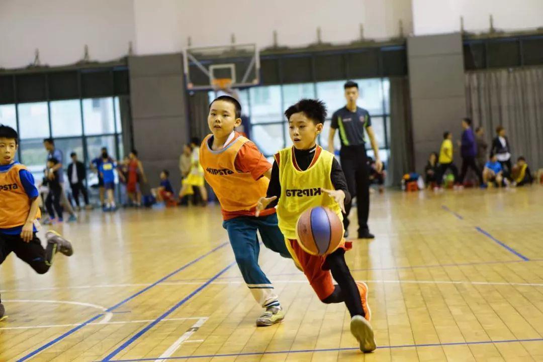 篮球儿童体适能训练