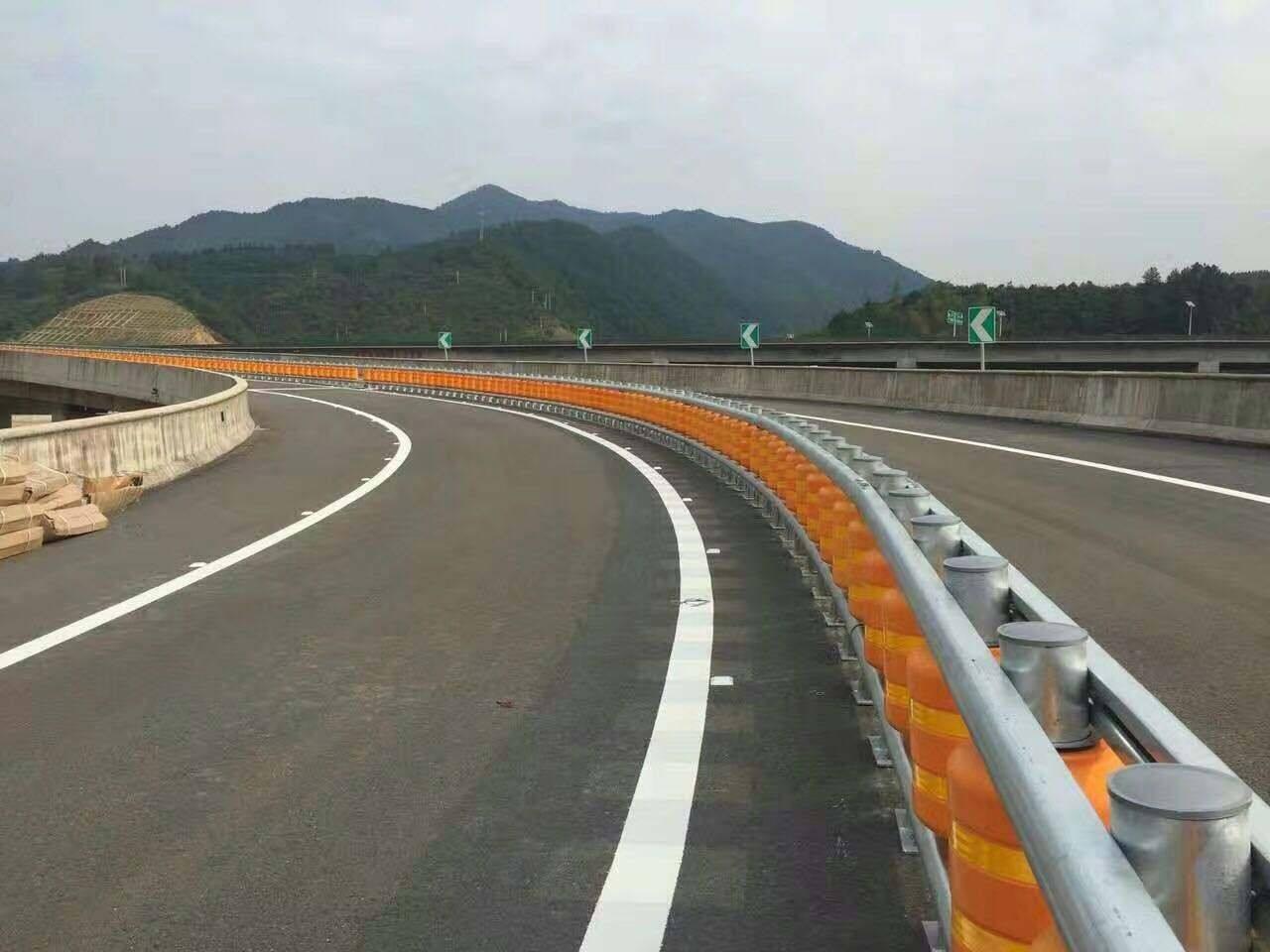 高速公路波形护栏合作案例