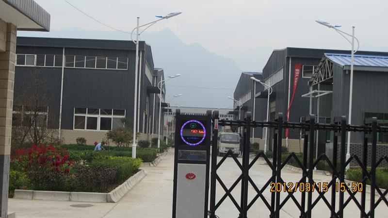 西安飞鹰门业钢结构厂房案例