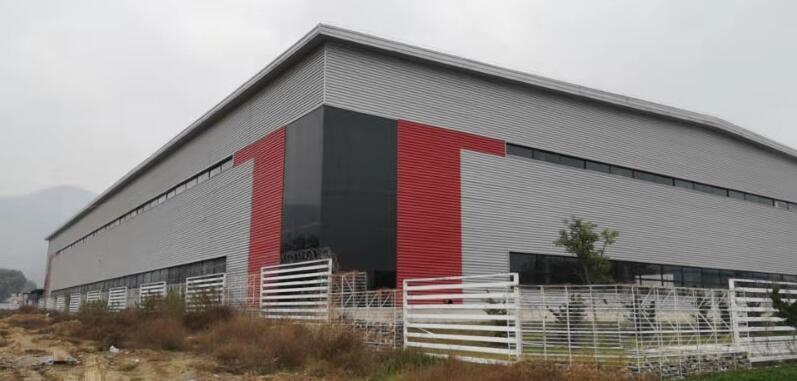 秦岭钢结构来给大家分享钢构件对于西安钢结构厂房工程的影响啦,快来看吧