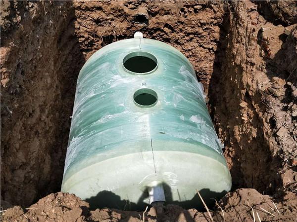 缠绕化粪池安装案例