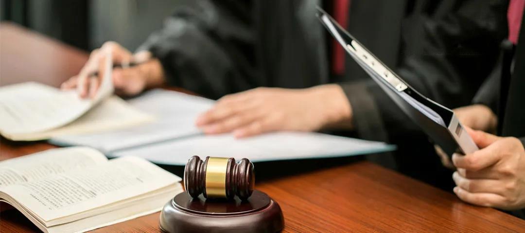 遇到法律问题,找律师真的不如找关系?