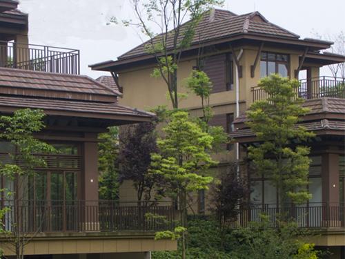四川彩瓦厂家与您介绍常见的一些屋顶类型