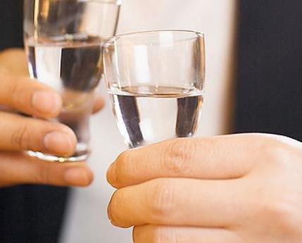 为什么越老越爱喝白酒?白酒的魅力无法阻挡!