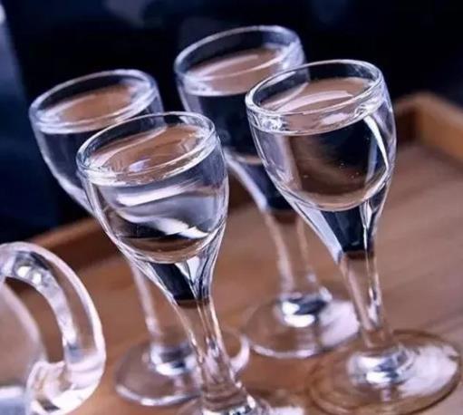 白酒越喝越有滋味,那么白酒为什么不会结冰呢?