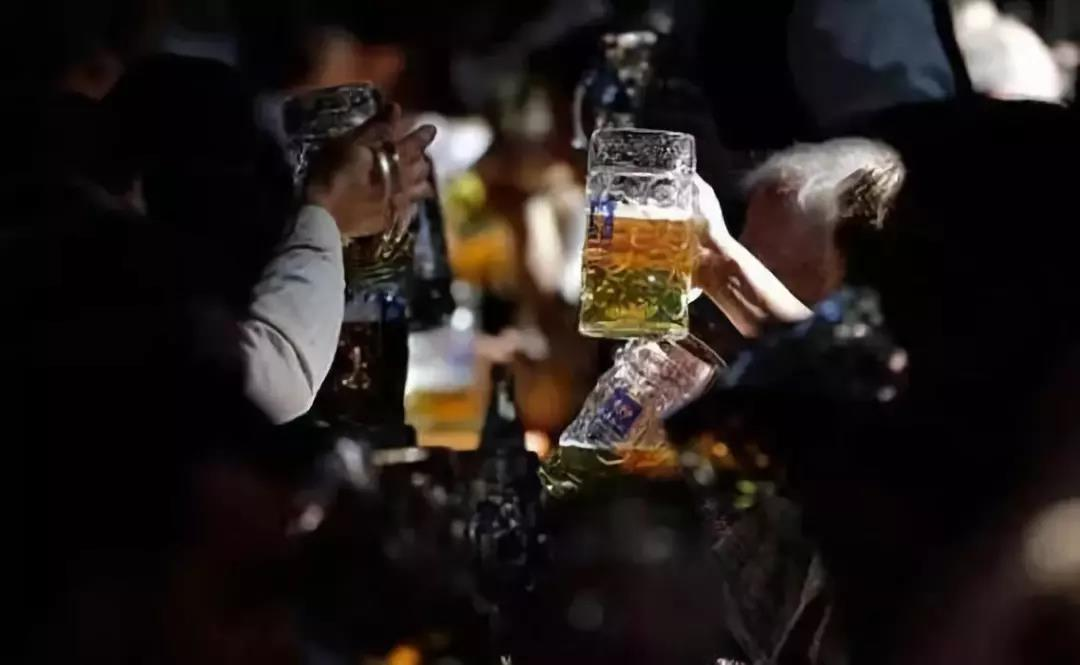 酒后千万不要做这些事,危险就在身边!