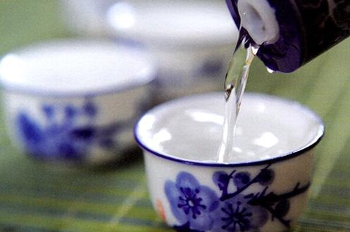 浓香型白酒的香到底是什么香?