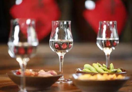 酱香型白酒与浓香型白酒生产工艺知多少?