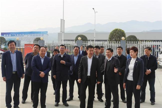 省人大常委会副主任、市委书记郭青来陕西睿智环保建材有限公司调研