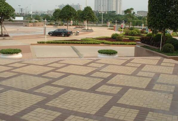 浅析成都广场砖的产品特点