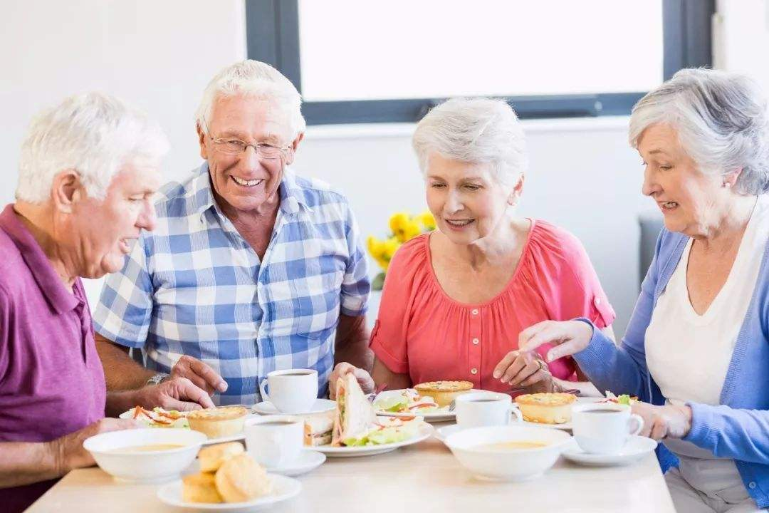 老人康复疗养的饮食注意事项