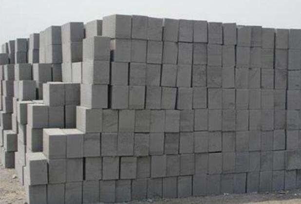 选择西昌泡沫砖好,还是加气砖好?