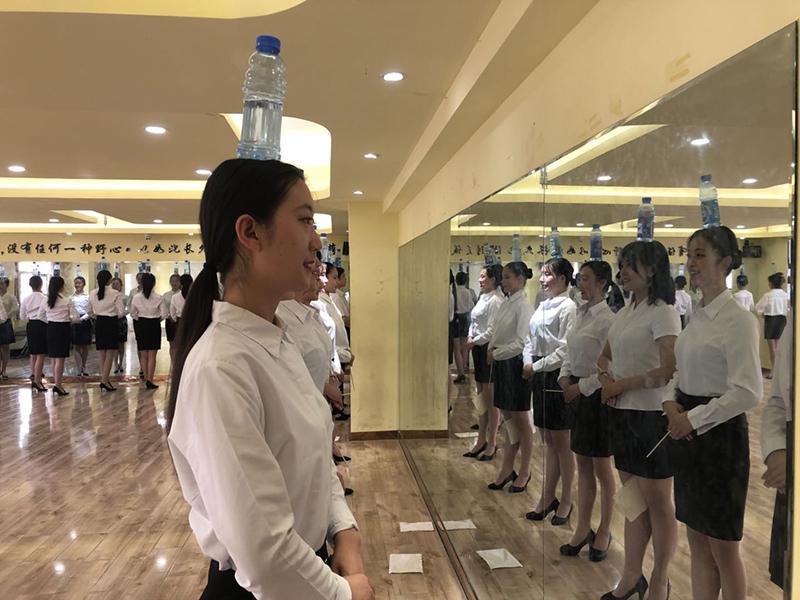 服装表演艺考培训_模特高考培训