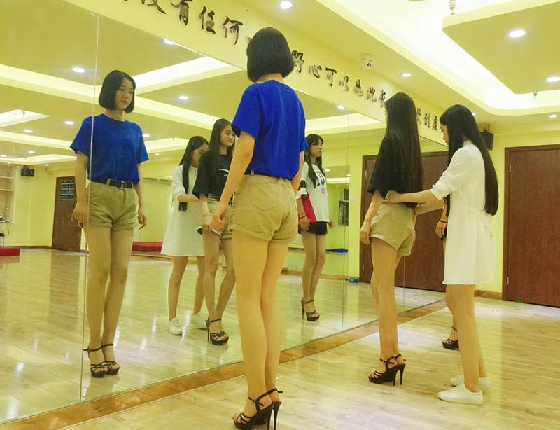 服装表演专业培训