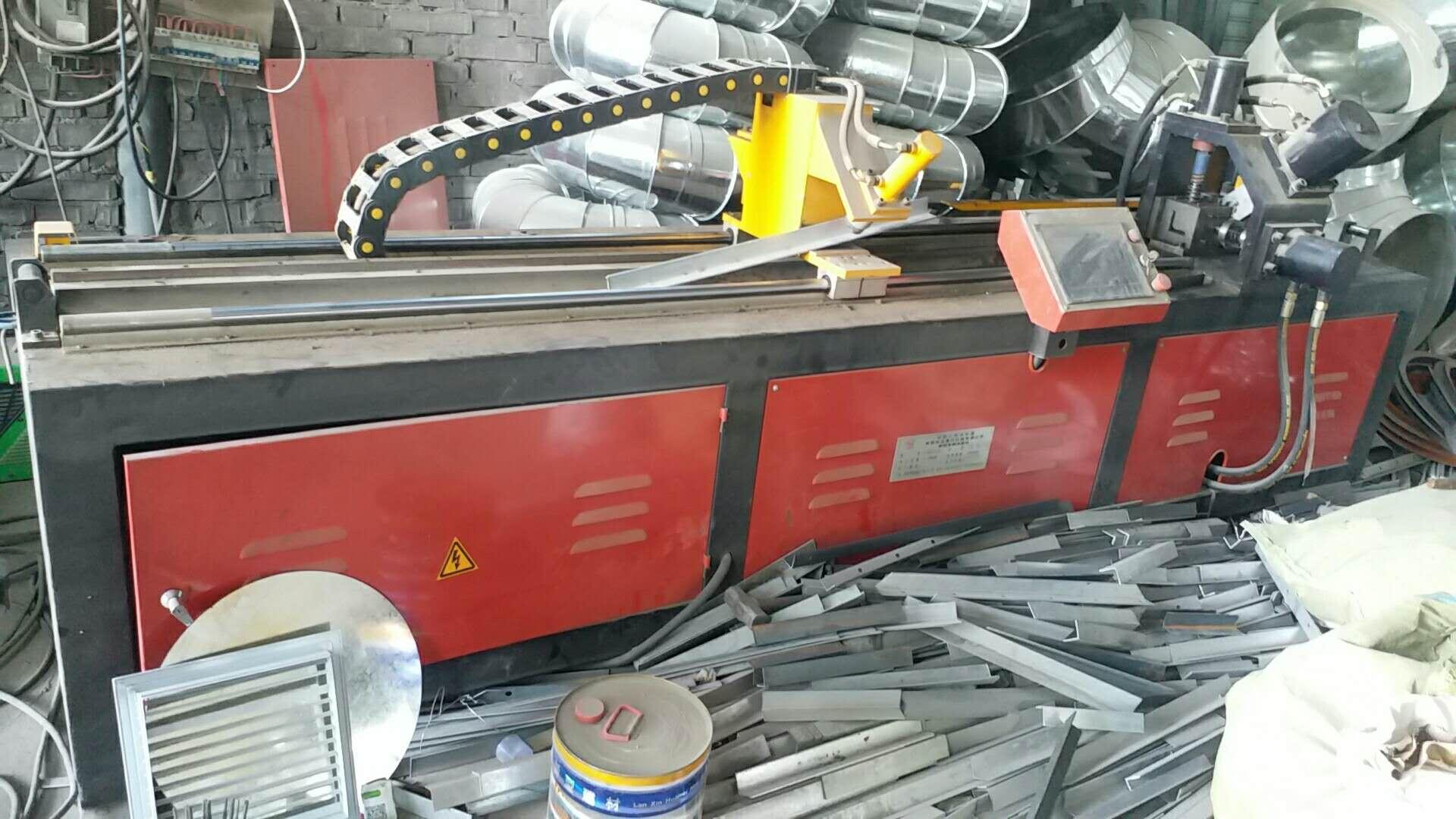 西安通风管道厂家生产设备