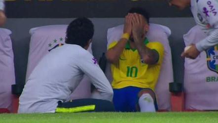 巴西足协:内马尔脚踝韧带断裂 预计无缘美洲杯