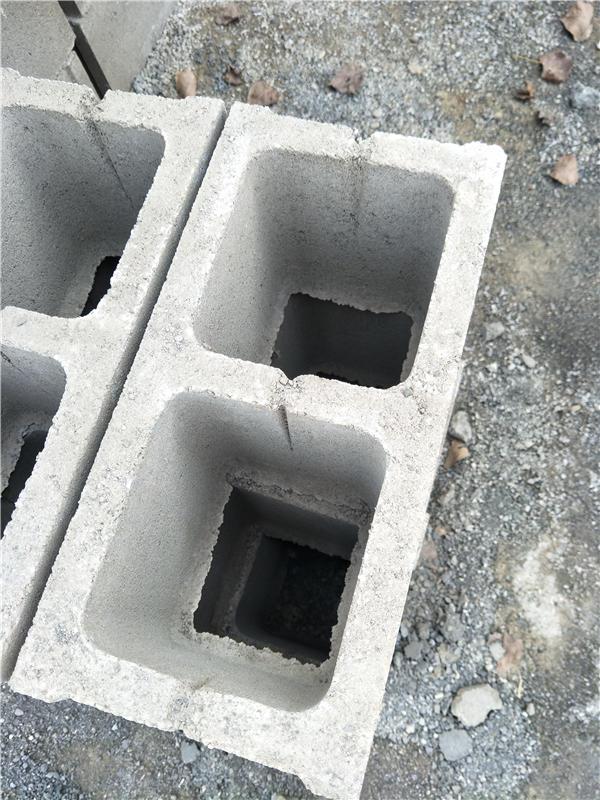 水泥空心砌块