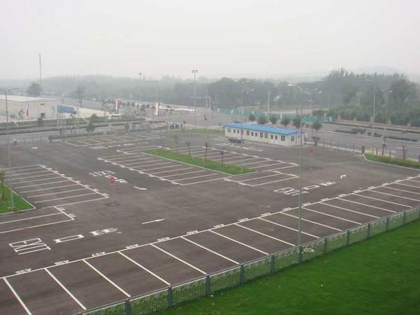 室外停车场车位划线案例