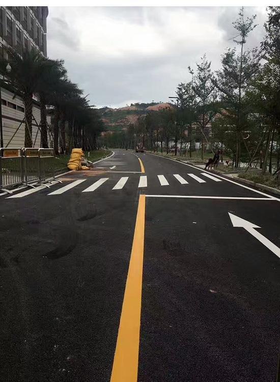 西安斑马线划线工程来给大家分享道路划线的施工过程以及检验标准啦,快来了解吧