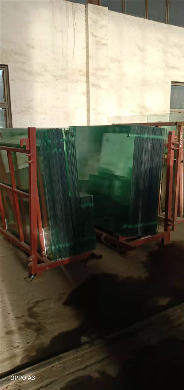 夹胶玻璃施工