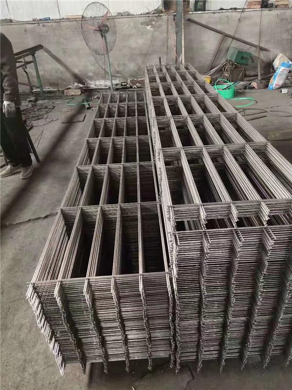 你知道钢筋网片在桥梁等建筑中的应用和好处吗?一起去了解吧