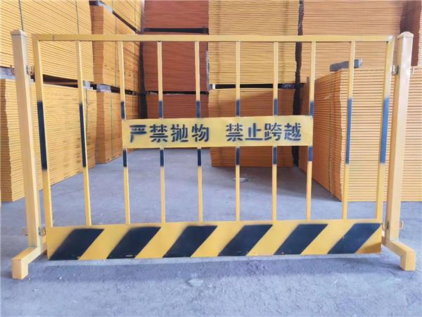 你知道护栏网与铁丝围栏有何不同吗,今天给大家分享下!