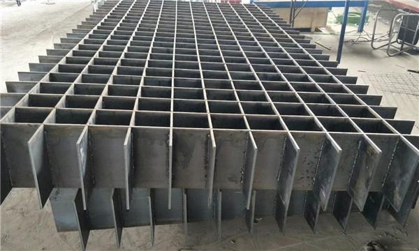 你知道钢格栅板是什么,它有什么特点吗