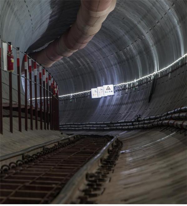 地铁隧道修建