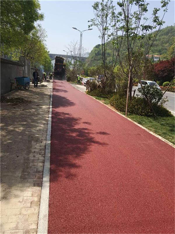 铜川新区210国道非机动车道