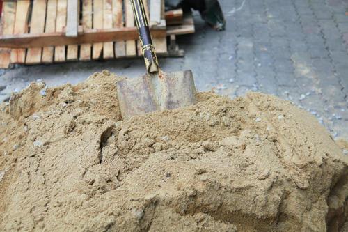 盖房能使用沙漠中的沙子吗?西安沙子厂和大家探讨