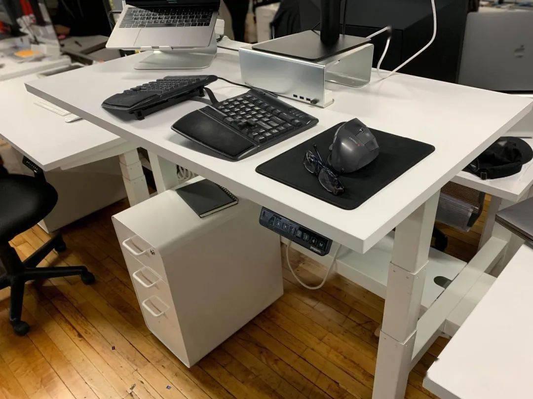 升降辦公桌是如何變得那么火的?