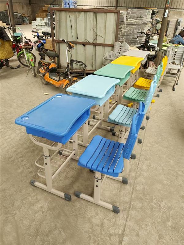 河南课桌椅生产厂家