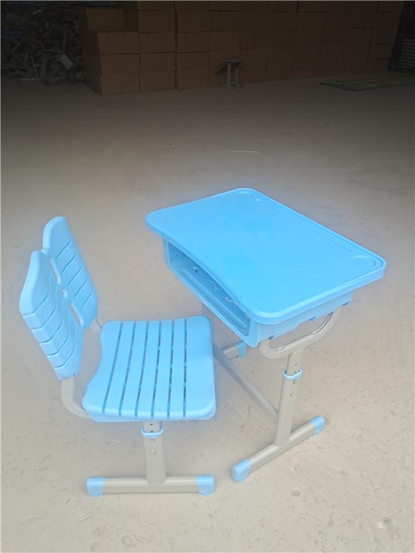 河南课桌椅销售