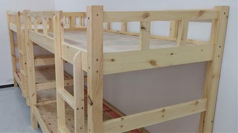 河南实木高低床小编告诉你如何选择质量好的实木高低床