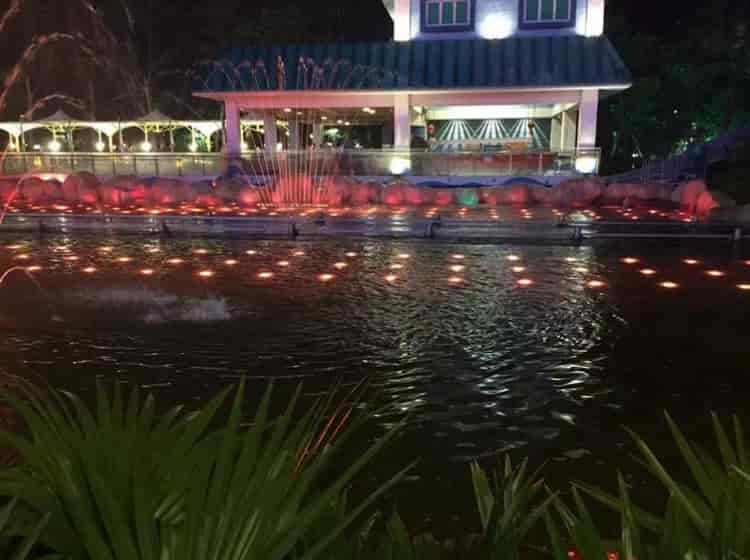 泳池水下灯