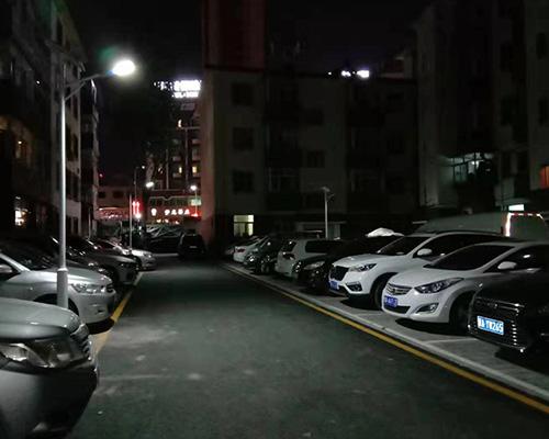 太原市金刚里小区(4米太阳能路灯)