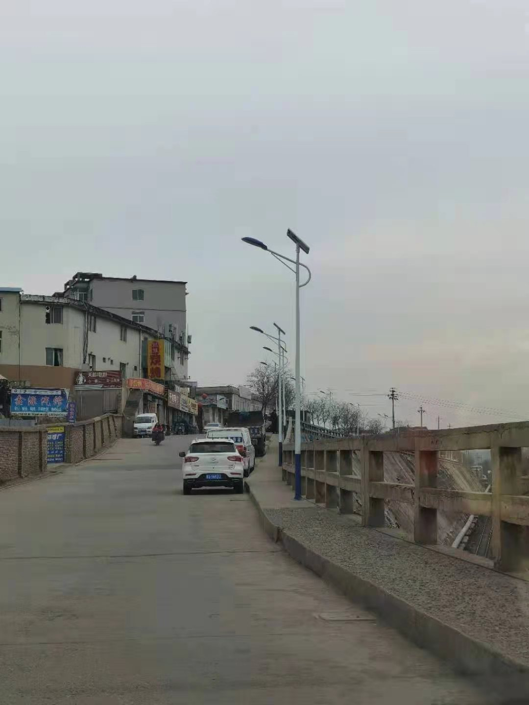 太原东涧河村(太阳能路灯)